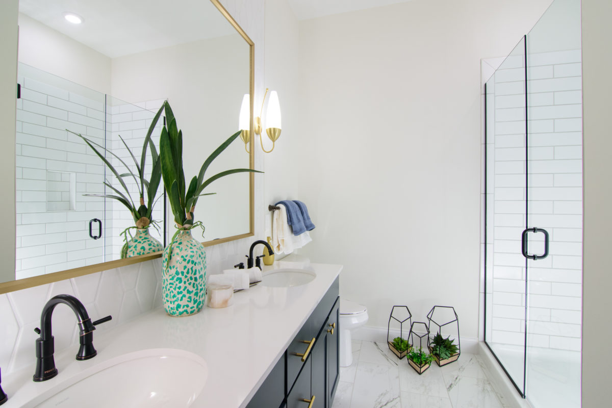 Luxe 23 Master Bathroom