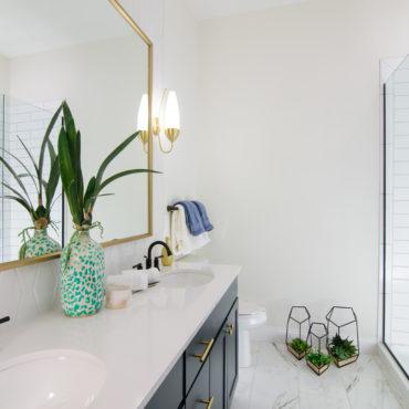 Luxe 23 Main Bathroom