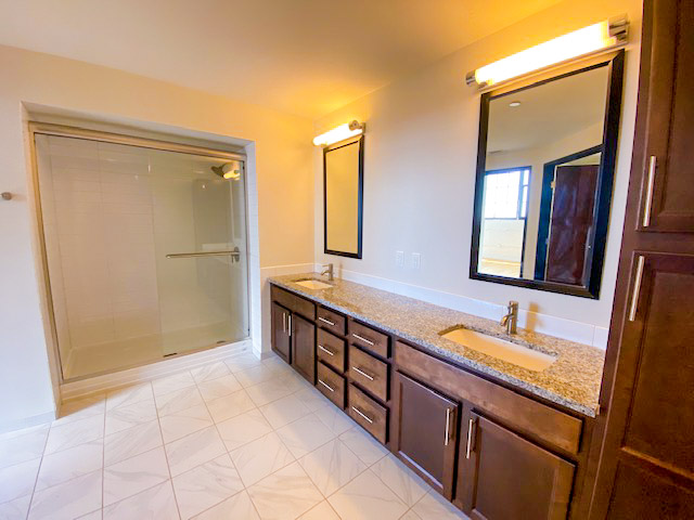 bathroom in in The Julian two bedroom apartment downtown Columbus