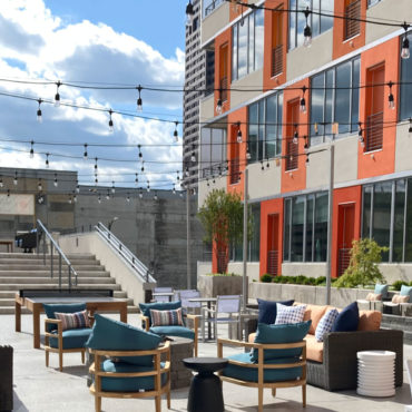 Courtyard at 150 North Third Apartments