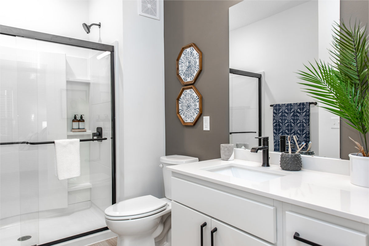 Bathroom in one bedroom apartment at Grant Park Apartments