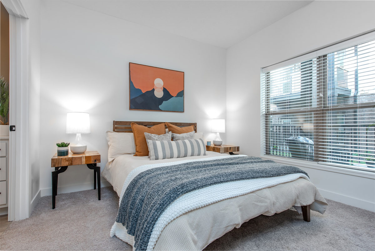 Bedroom in Grant Park Apartments