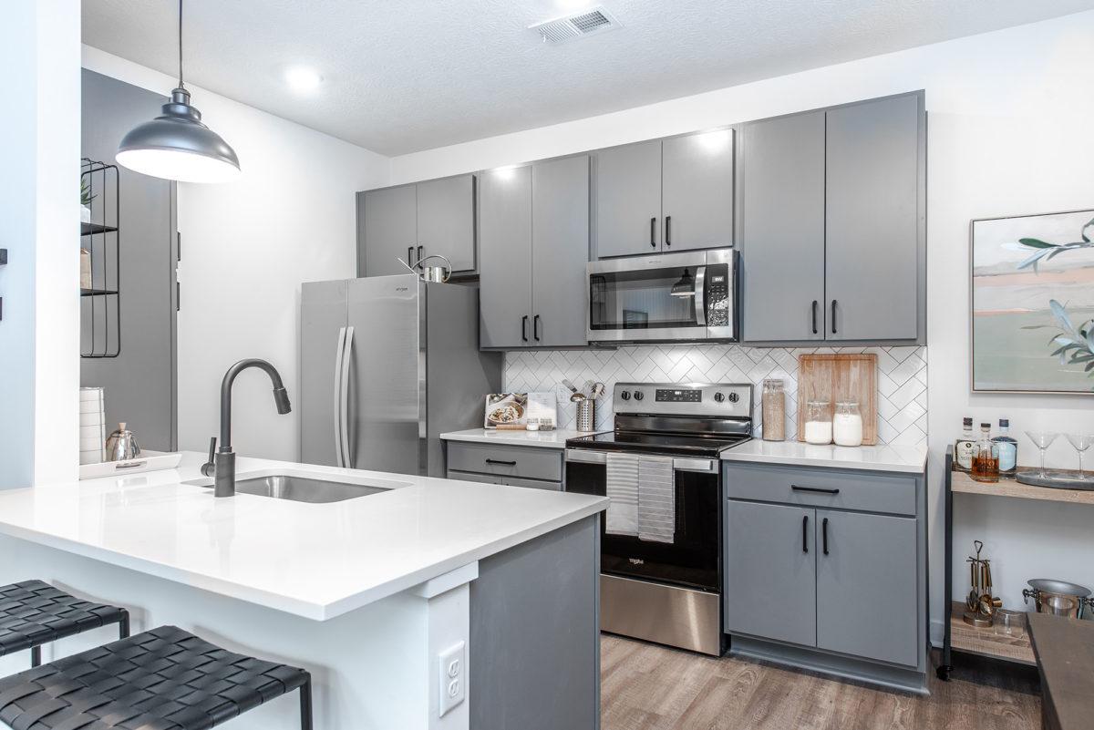 kitchen at Grant Park Apartments