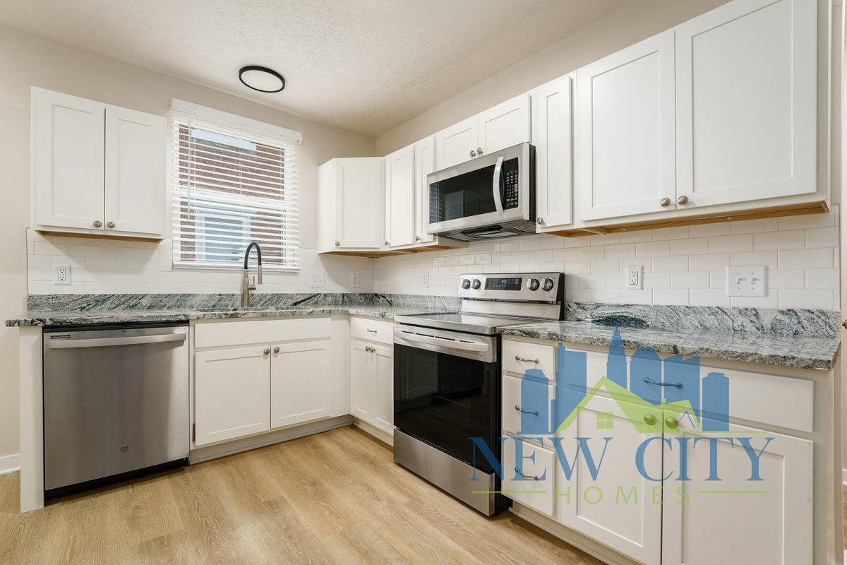 kitchen of Duplex for rent in Franklinton