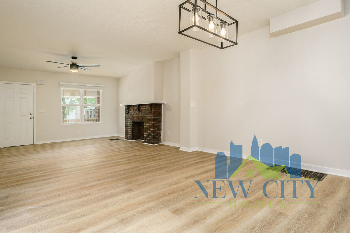 Living space of Duplex for rent in Franklinton