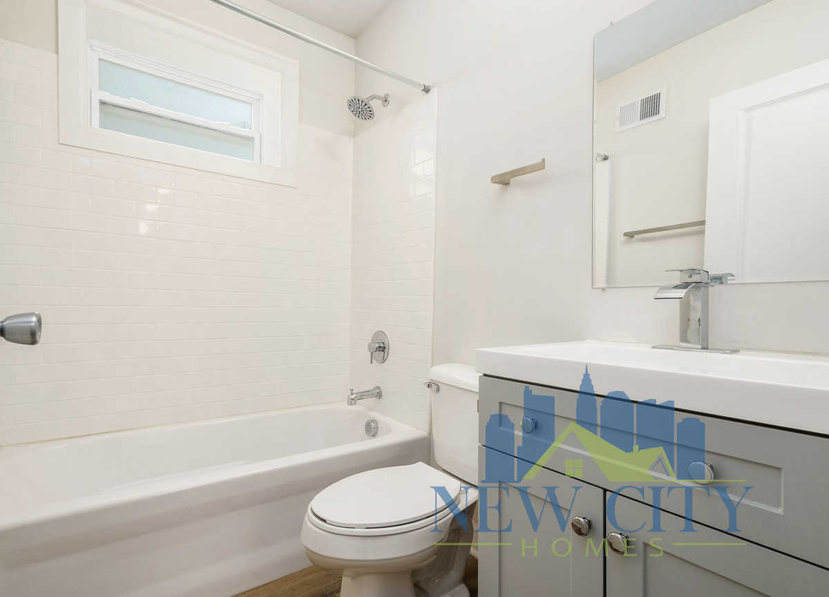 bathroom of 91 N. Central home to rent in Franklinton