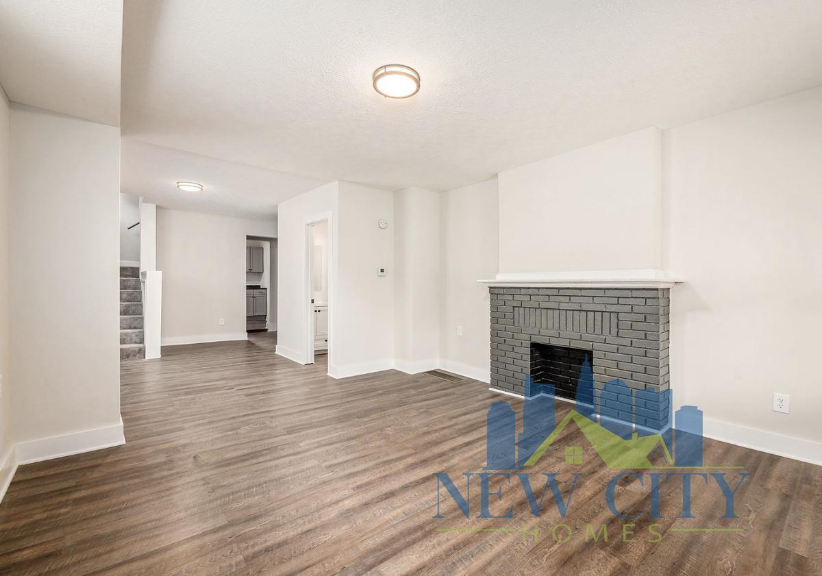 living space in 272 Brehl Avenue