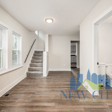 living room in 272 Brehl Avenue